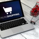 Laptop mit Online-Shopping